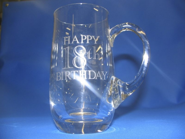 glass engraving Oxford pint mug