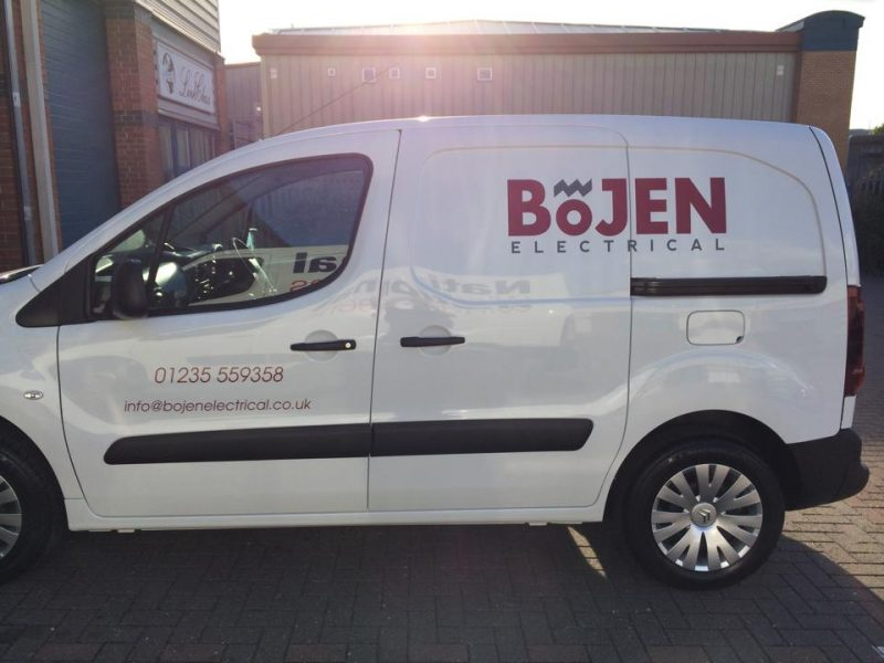 vehicle signage vinyl lettering applied to van Oxford Bicester Abingdon Kidlington