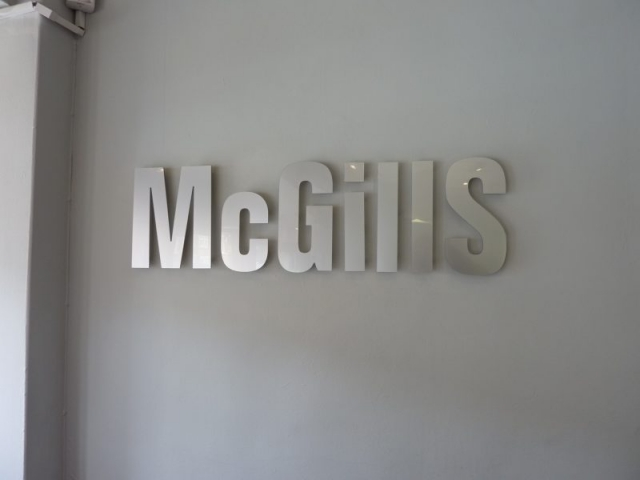 silver acrylic lettering Oxford London Abingdon Kidlington Witney