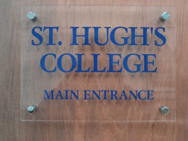 acrylic signs Oxford London clear perspex