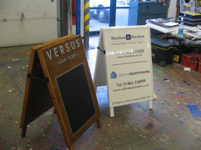 aboard with chalkboard surface wooden sign Oxford London Abingdon Witney